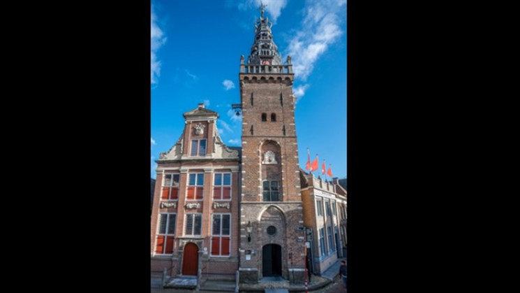 Een foto van de toren van Waterlandsmuseum de Speeltoren