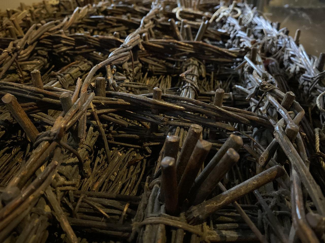 Een zinkstuk is een volledig uit wilgenhout opgebouwde mat. De techniek is ruim 300 jaar oud en wordt nog steeds toegepast, naast zinkstukken van kunststoffen.